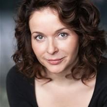 Julia Sawalha